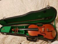 Stentor Violin 3/4 size with shoulder rest - beautiful condition with case, rosin and spare strings
