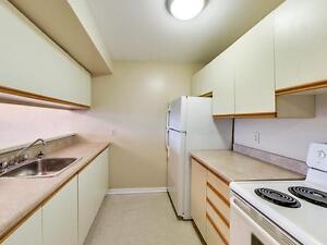 Kingston 2 Bedroom Apartment for Rent: Gym, pool, sauna, dog run