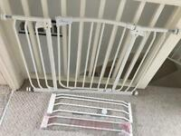 SSTC Dreambaby Chelsea Extra-wide Stair Baby Gate (97-133cm)