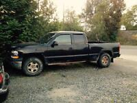 Selling 2000 Chevy Silverado ext cab