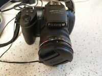 Awesome Condition Bridgecamera 30x Optical Zoom - Fujinon Lenses!