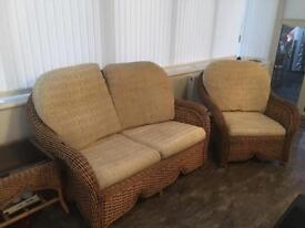 6PCE WICKER CONSERVATORY 3 SEATER 2 SEATER CHAIR 3 TABLES £45