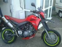 Yamaha xt 660 x supermoto