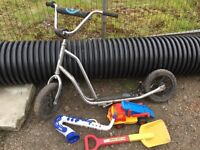 Selection of outdoor toys being sold together as a job lot.....types on scooter fine etc.