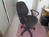 OFFICE SWIVEL CHAIR AS PHOTO