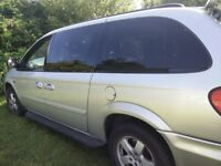 AUTO,2007,2,8 diesel.12 months mot,good condition,cruise control, mob,07553595874,7 seaters,leather,