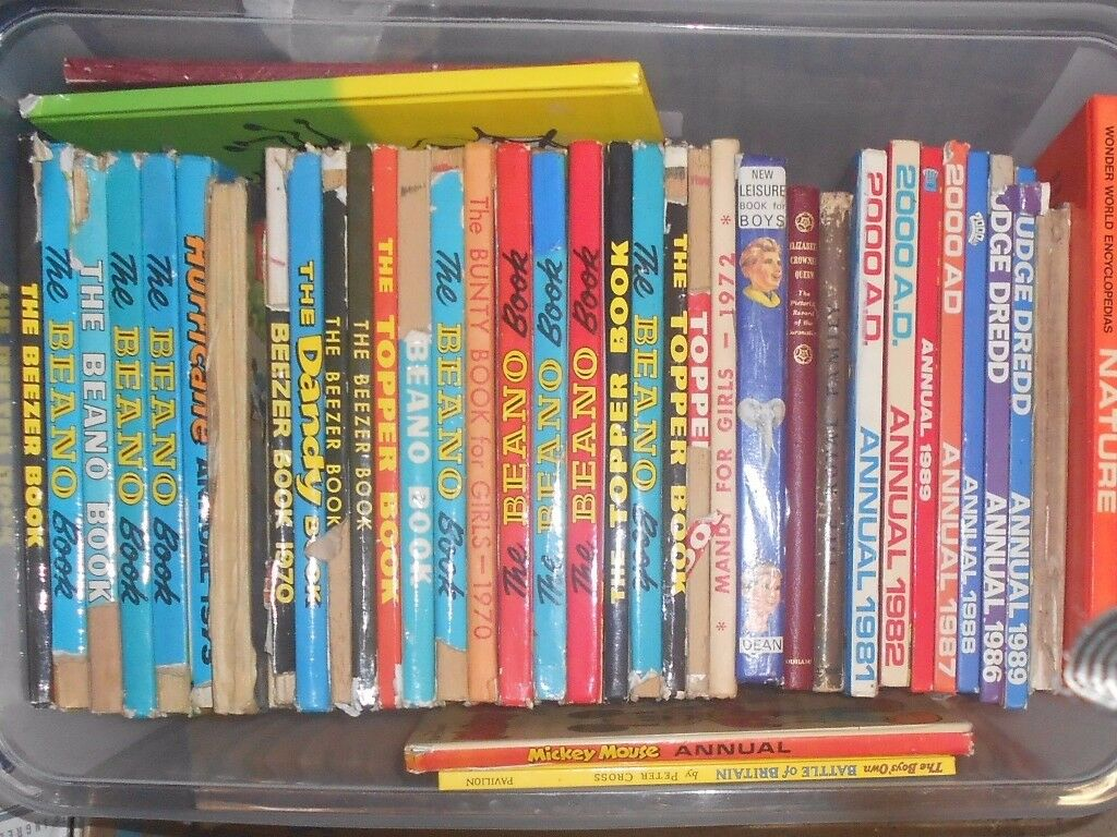 LOT OF COMICS AND ANNUALS 1970S / 80S , BEANO, 200AD , BEEZER , TOPPER, COWBOYS, GILES ETC
