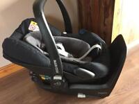 Maxi-Cosi Pebble Plus Baby Car Seat & isofix base