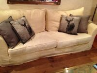 COLLIN & HAYES 4/5 SEATER SETTE AND MATCHING CHAIR