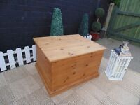 SOLID PINE FARMHOUSE EXTRA LARGE BLANKET BOX EXTREMELY SOLID AND HEAVY BOX
