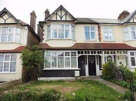 TWO BEDROOM FLAT TO RENT Ridge Road, Winchmore Hill, London N21