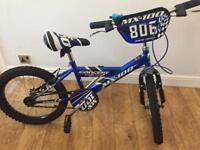 Boys bike 6yrs + Like new great Christmas present