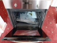 A NEW WHIRLPOOL BUILT IN SINGLE OVEN FAN ASSISTED