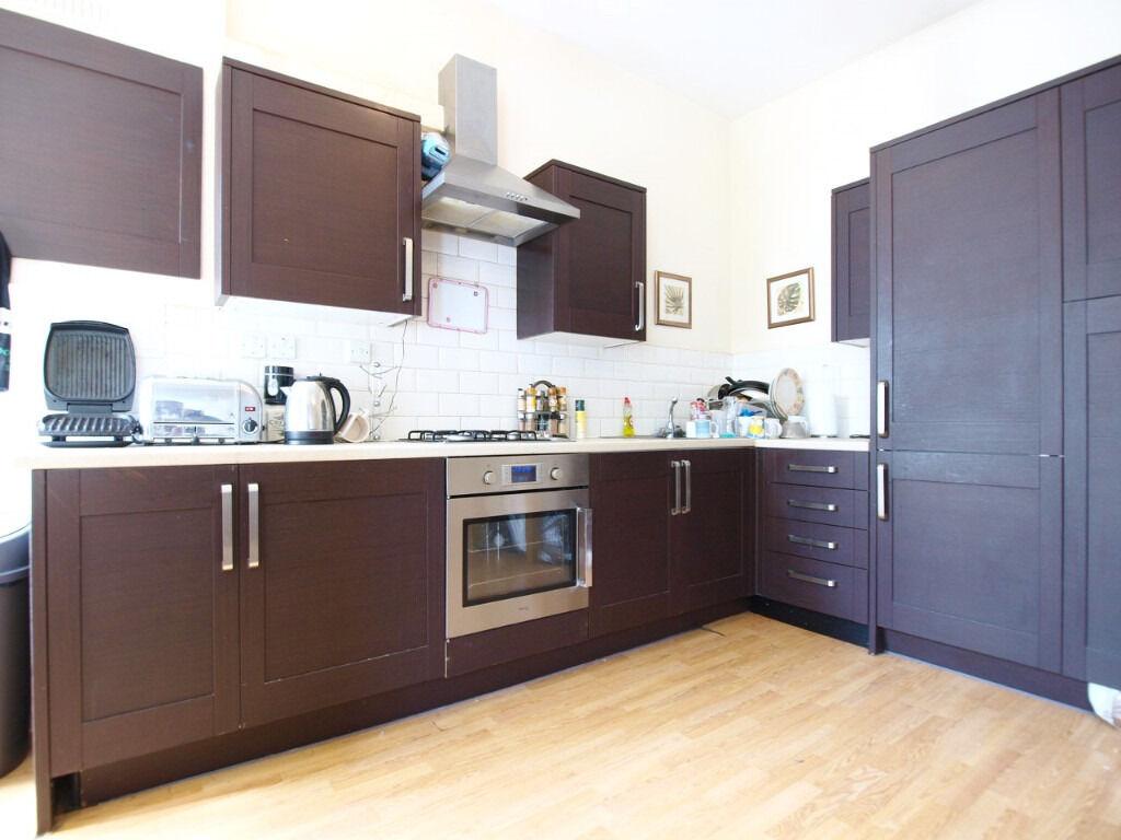 Stunning 3 Bedroom 2 Bathroom with Ensuite split over 2 Floors in the heart of Kings Cross