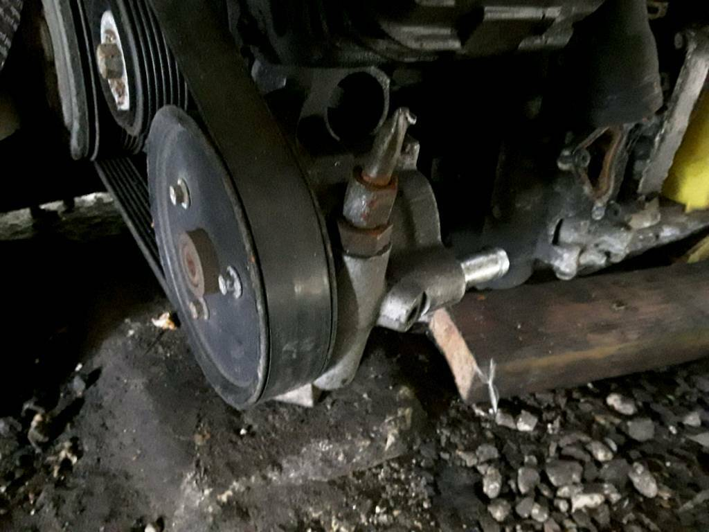 Vauxhall vivaro 2.0 power steering pump