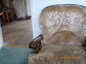 settee & 2 matching armchairs