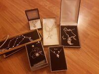 Ideal Christmas Present Ladies Jewellery set