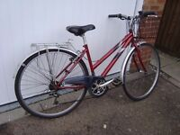Raleigh Bike - 18 speed, Good Tyres, removable basket, comfortable seat
