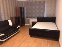 # 5 Lovely Large Studio/Double Rooms in NW2 Close to Brent Cross/Cricklewood Station #