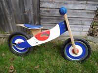 Kids balance bike. Children's strider style bike, no pedals.