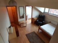 Nice large en suite Double Bedroom , £75pw ,all bills included