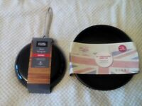 BNWT FRYING PAN AND SPRINGFORM CAKE TIN FOR SALE