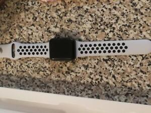 Apple Watch 38 MM Series 3 GPS Nike band + Black Band