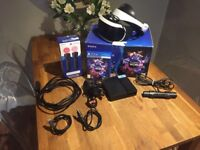 Sony PlayStation VR PS4 + 2 Motion Controllers And PS WORLDS VR