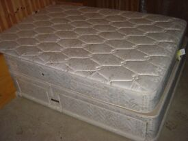 """Good Quality 4ft 6""""Double Divan Bed with Drawers - Can deliver"""