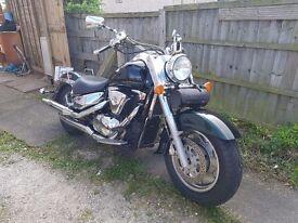 Suzuki VL1500LC Intruder Custom Cruiser Low Rider