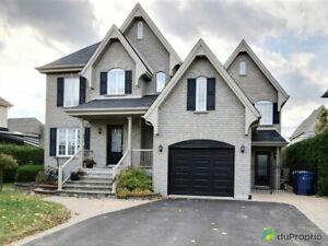 539 900$ - Maison 2 étages à vendre à Ste-Julie