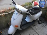 Vespa Piaggo 50cc Scooter Complete, MOT til December Bargain!