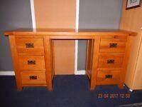 Gorgeous Oak Desk