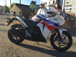 2013 Honda CBR250R moto