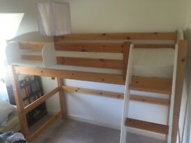 Cabin bed in honey pine and white