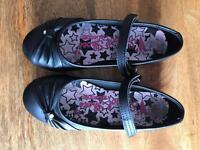 Black girls school shoes size 1