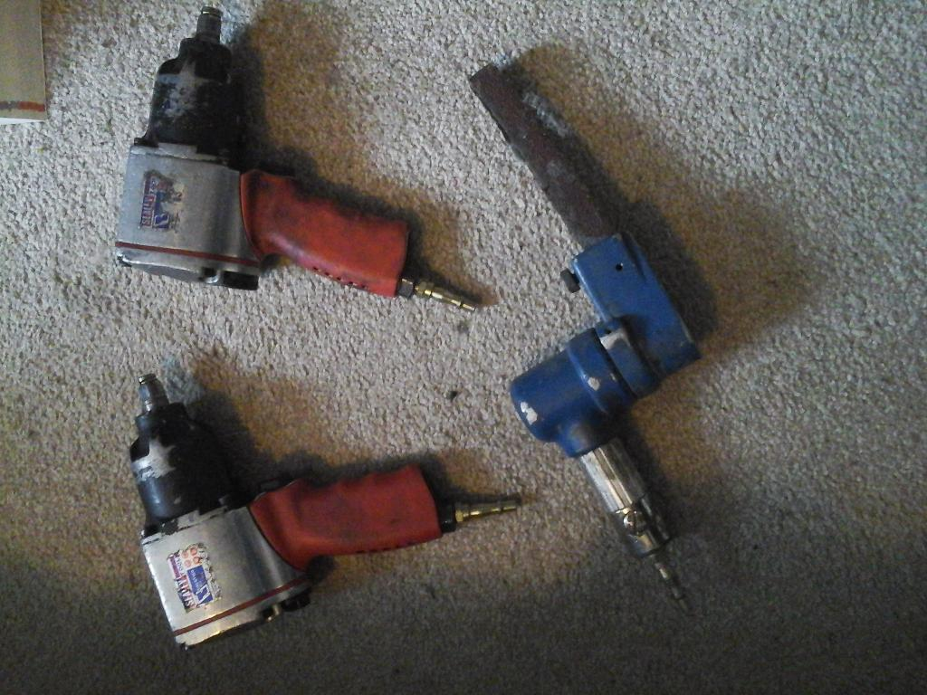 IMPACT GUNS SEALEY AND BELT SANDED GOOD WORKING ORDER £ 45 NO TEXTS PLEASE