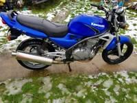 Kawasaki er500 motorbike