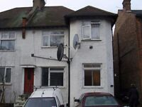 large studio flat, 5 Mins walk to Middlesex university Students , close to transport links ,£205 PW