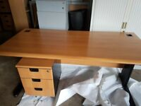 Executive office desks with matching pedistals top spec