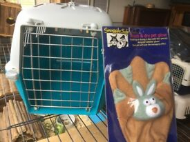 Pet carrier with new pet grooming glove, suit rabbits, guinea pigs, chickens etc.