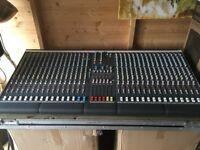 Allen & Heath GL2200 32 Channel Mixing Desk plus Flight case