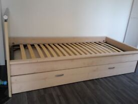 Extandable single bed