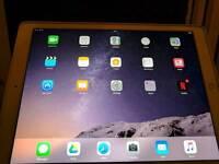 iPad Pro 12.9 128gb 4G and Wifi. Case, apple pencil and apple keyboard swap