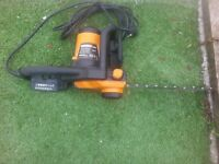 worx eltecric chain saw exlent condishion once for a small job comes with a spair cnain and oil