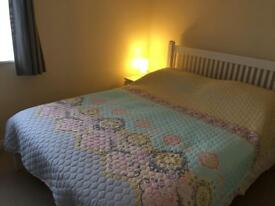 A double room with king size bed to rent in Mabe Burnthouse