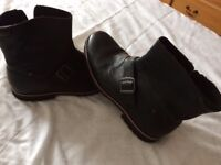 Black size 10 brand new Rockport boots