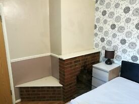 DOUBLE ROOM FOR RENT. short lets from 1 night @ £45 to weekly/monthly