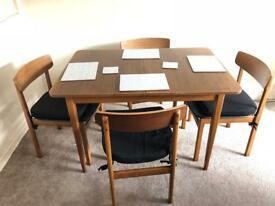 Dining table and 4 chairs (extending) vintage retro wooden