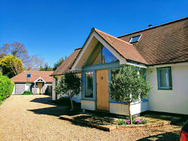Bright, self-contained studio barn, walk to sea. Available July onwards for 1 or more weeks